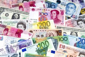 Currency brokers vs banks: Which is actually the best option for currency exchanges?