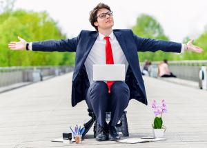 Finding a job abroad: Four essential tips to help you land the perfect expat job