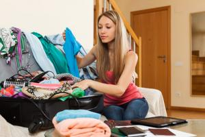 10 essential tips to reduce the stress of packing for university