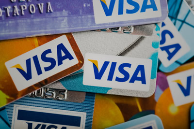 Compare the best banks for expats